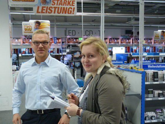 """Runde 4 der Citylauf-Tombola: Verlosung im Elektronikfachmarkt """"expert"""" Neuenkirchen"""