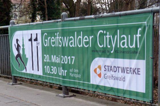 Citylauf-Banner im Stadtbild