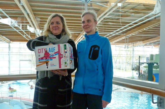 Citylauf Tombola 2018: erste Verlosung im Greifswalder Freizeitbad