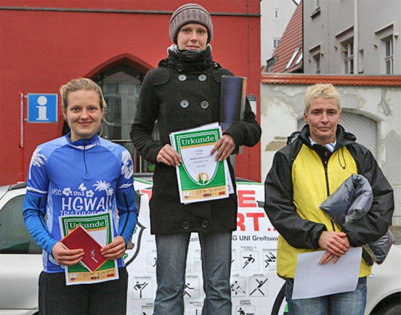 d3d82b52300f34 Sandra Eltschkner (GSV 04) gewinnt den 4. Greifswalder Citylauf ...